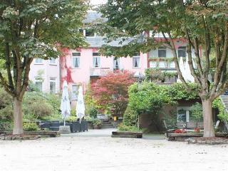 Waldhotel Zur Winneburg, Endertstr.141,141