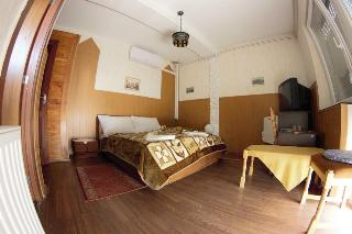 Mullers Inn, 106 Fo Str,