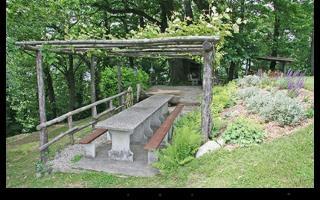 Grotto Flora B&B, Via Municipio 8,