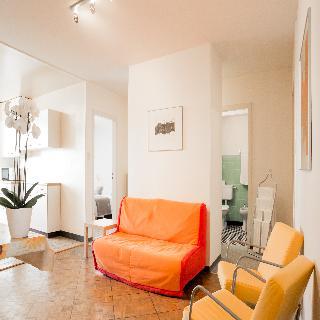 Hotel Des Arts, Rue J   L  Pourtales 3,3