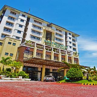The Pinnacle Hotel and Suites - Generell