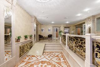 Club Hotel Corona, Ovrazhnaya Str,35