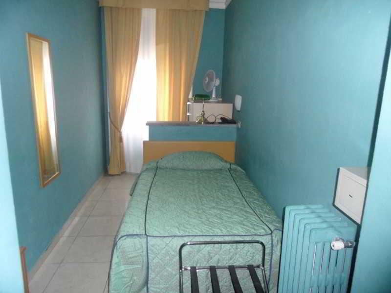 Hotel De Albertis, Via De Albertis Sebastiano,7