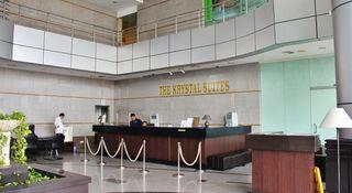 The Krystal Suites Service Apartment - Diele
