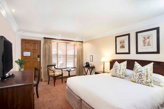 Faircity Falstaff Hotel - Zimmer