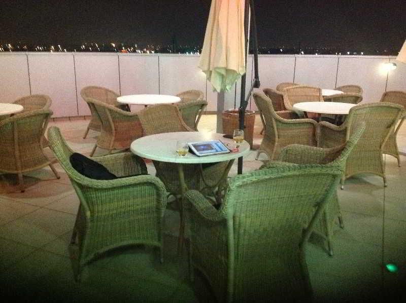Luna Hotel Zombo - Terrasse