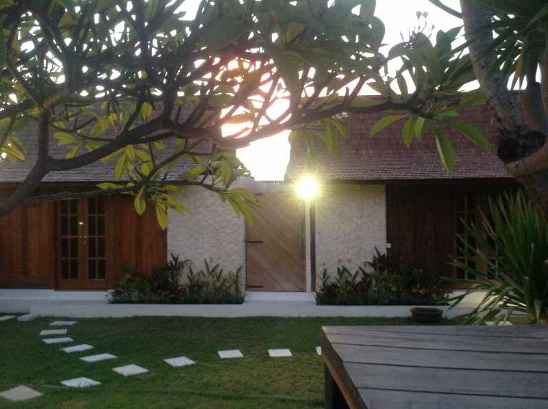 Villa Biru, Jalan Umalas Lestari Gg.…