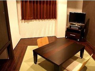 Hotel Livemax Esaka, 2-7 Enoki-cho, Suita-shi,…