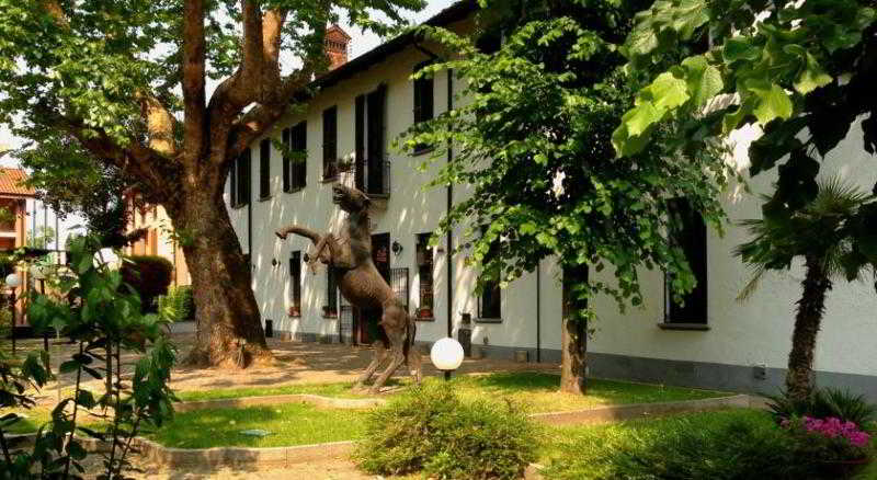 Ca' Bianca Hotel Corte…, Via Lodovico Il Moro,117