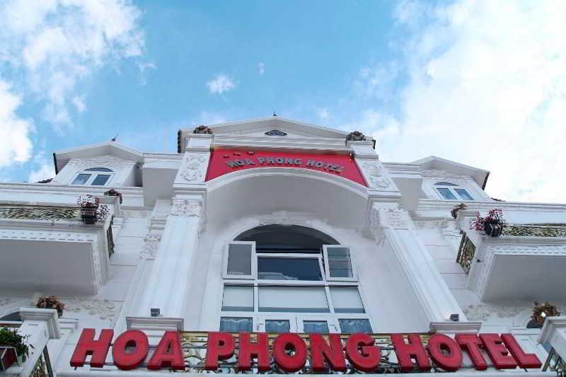 Hoa Phong Hotel, 60 Ngu Chi Son, Sapa Lake,…