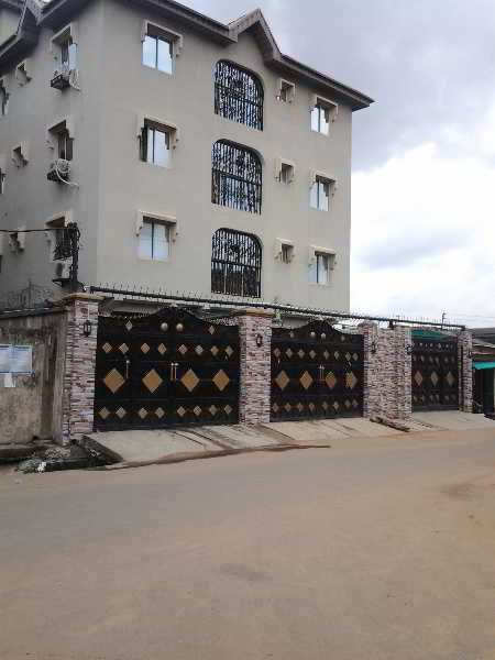 Oragon Hotel And Suites