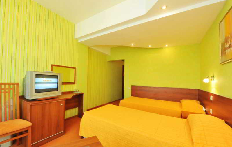 Adelphia Resort Hotel