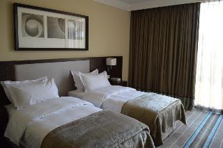 Grand Karavia Hotel, Route Du Golf,55
