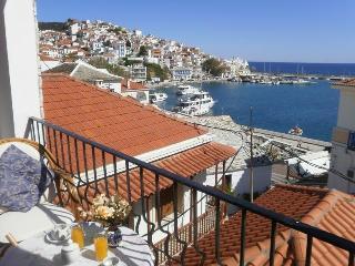 Regina, Parodos, Skopelos Town,9
