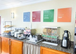 New Orleans Hotels:Comfort Inn New Orleans Airport
