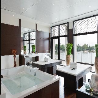 hotel barri re du lac enghien les bains enghien les bains. Black Bedroom Furniture Sets. Home Design Ideas