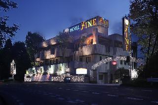 Hotel Fine Rokkou Kita…, 4117-2 Fujigaya, Karato,…