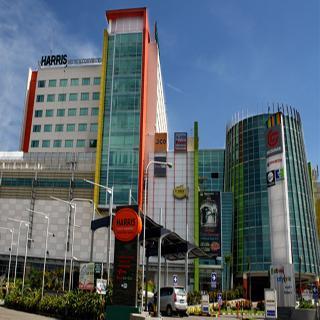 HARRIS Hotel & Convention…, Jl. Peta 241, Kopo Bandung,