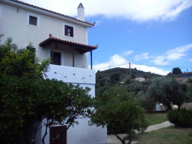 Villa Thea Studios & Apartments