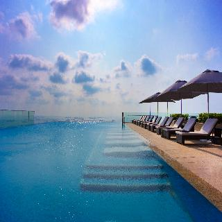 The Westin Singapore - Pool