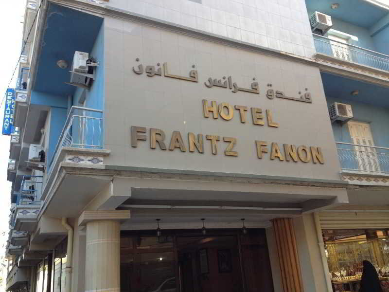 Frantz Fanon, Lg Setif,