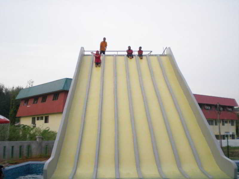 Cozzi Hotel Port Dickson - Pool