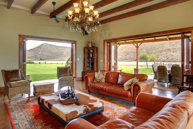 Madi Madi Karoo Safari Lodge - Diele