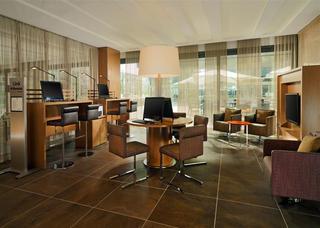 Sheraton Zurich Hotel, Pfingstweidstrasse,100
