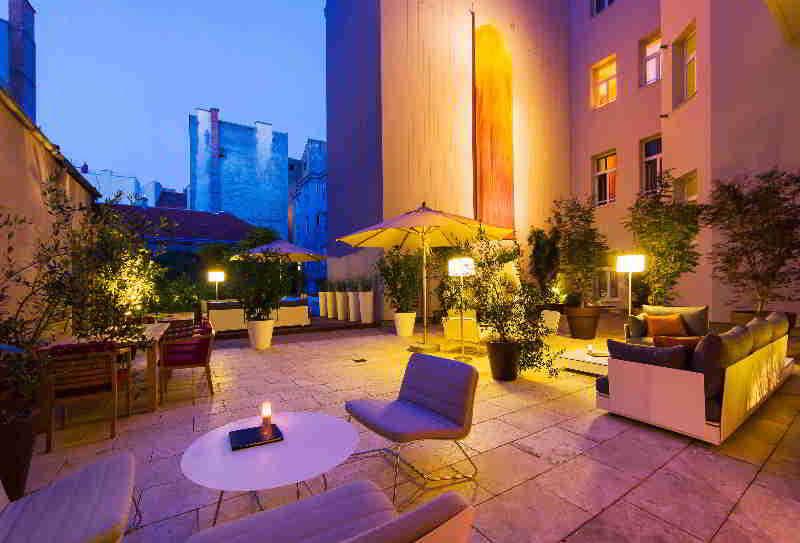Der Wilhelmshof Hotel - Terrasse