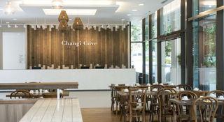 Changi Cove - Diele