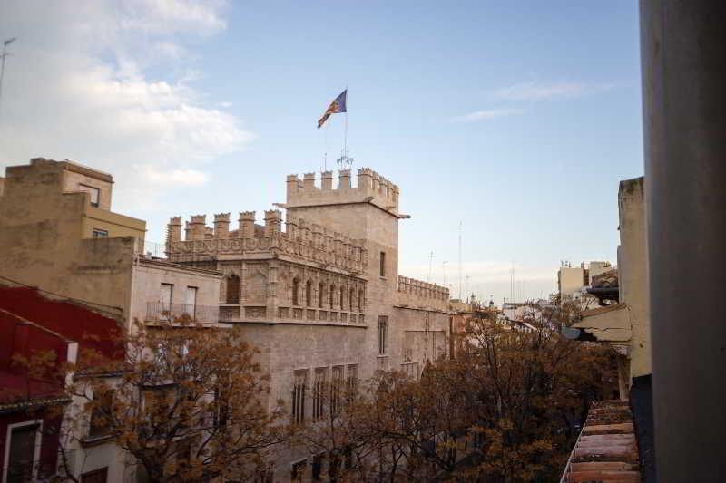 Royal Apartbeds