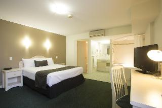 Hotel Northbridge, 210 Lake Street,210