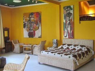 Tanah Merah Resort Gallery, Melayangpejeng 4 Km East…