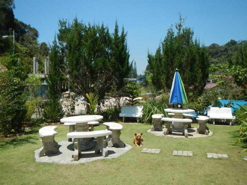 KRS Pines Hotel - Generell