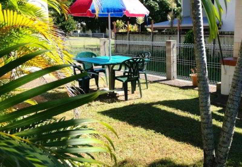 Paradise Court Holiday…, 183 Shute Harbour Road,