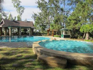 Crosswinds Resort Suites - Strand