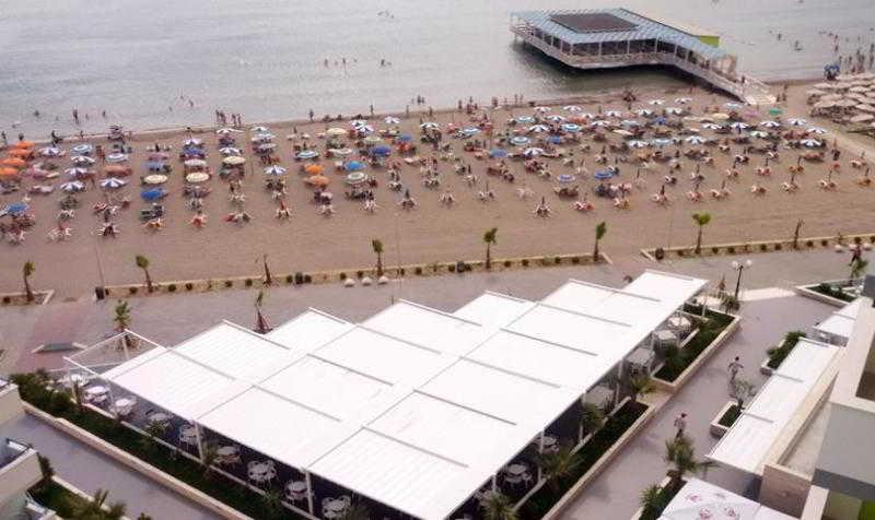 Ermiri Palace - Strand