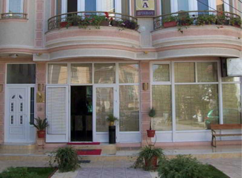 Gala Garden Hotel, Tomaki Dimitrovski,