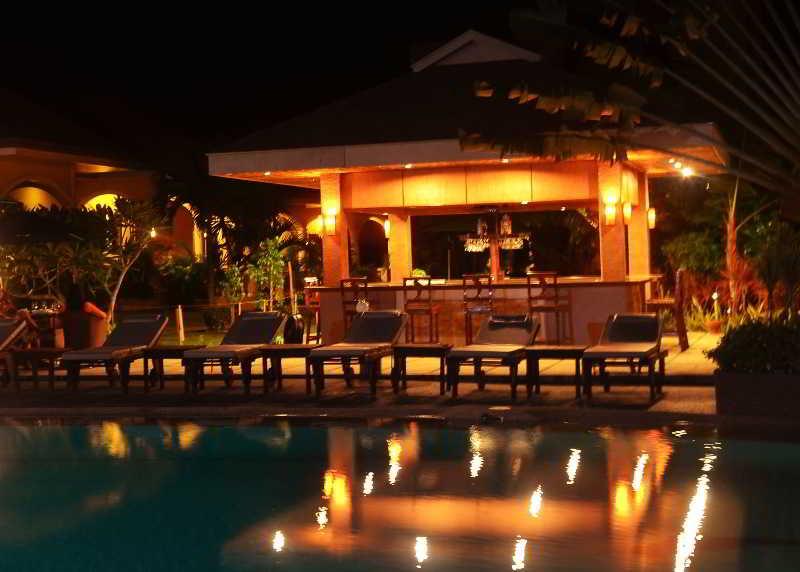 Turtle Bay Dive Resort - Bar