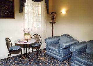 Merton Manor, 62 Ardlie Street,