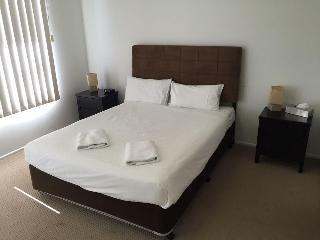 Alexandra Apartments, 124 Dr Mays Road,124
