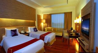 Premier Basko Hotel, Jl Prof Dr Hamka No 2a,