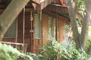 Garden House, 111 Pravetnakorn Rd Muang…