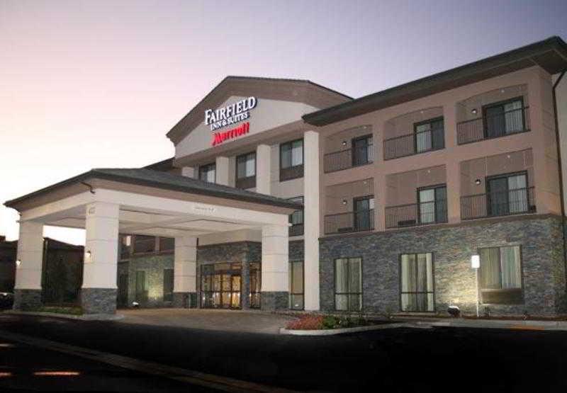 Fairfield Inn & Suites…, 422 W. Tehachapi Blvd.,