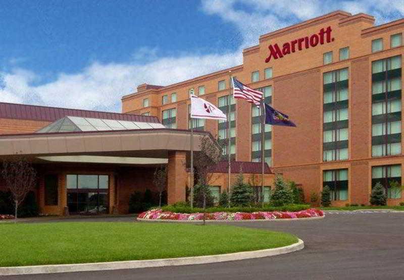 Chicago Marriott Northwest, 4800 Hoffman Boulevard,