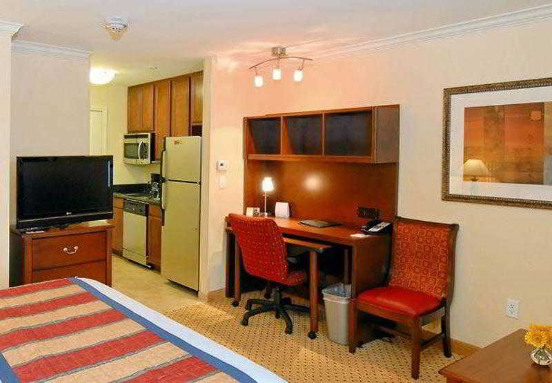TownePlace Suites by Marriot Houston North/Shenand