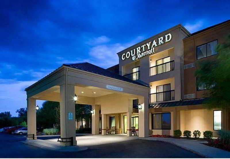 Courtyard Wichita East, 2975 North Webb Road,2975