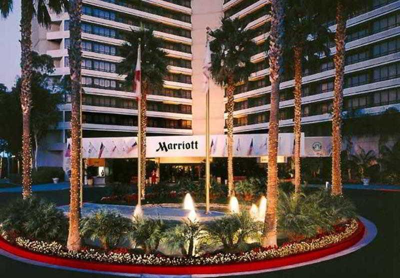 Irvine Marriott, 18000 Von Karman Avenue,18000