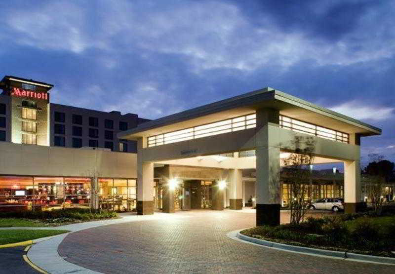Delta Hotels Chesapeake…, 725 Woodlake Drive,