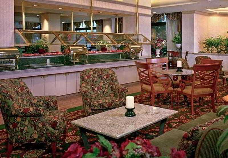 Residence Inn Arlington…, Army Navy Drive,550